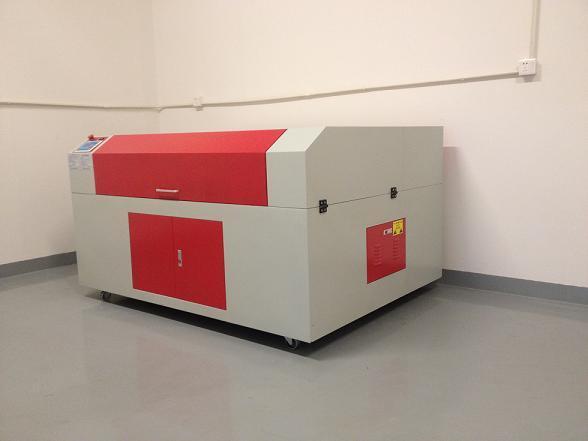 光纤激光切割机与紫外激光切割机究竟有什么区别?