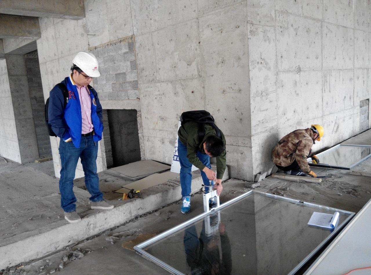 沈阳玻璃幕墙维修玻璃结构胶粘接强度检测案例