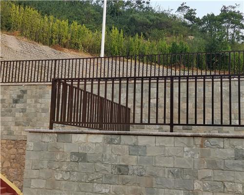 铁艺护栏定制