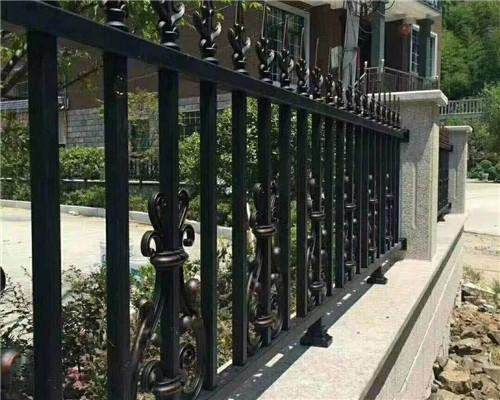 围墙铝艺护栏厂家受欢迎理由