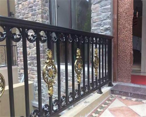 庭院铝艺栏杆的特点以及应用范围