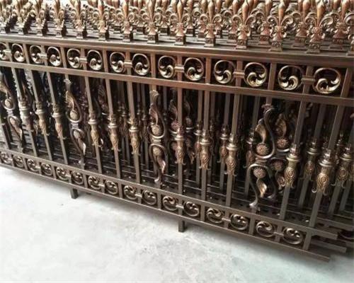 直接影响庭院铝艺栏杆厂家的环保性的材料