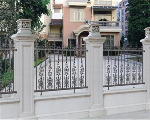 庭院铝艺栏杆厂家的防腐对使用的影响