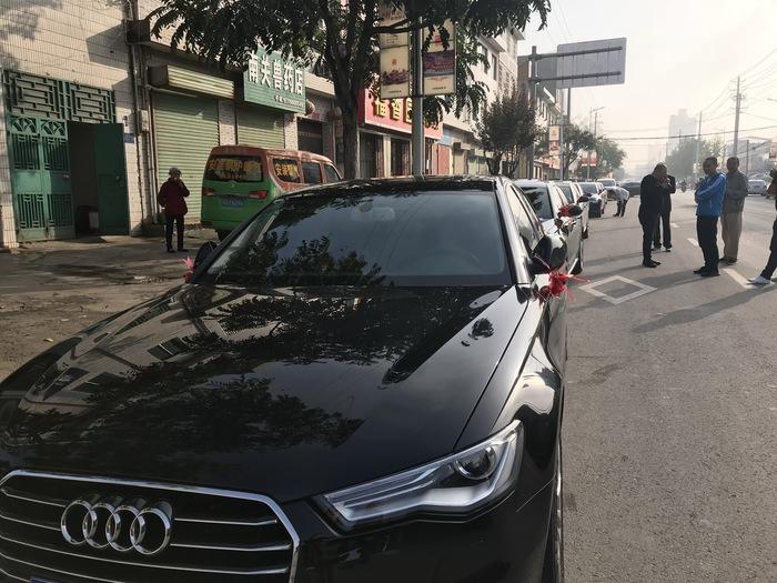 九峰鎮奧迪A4婚禮車隊