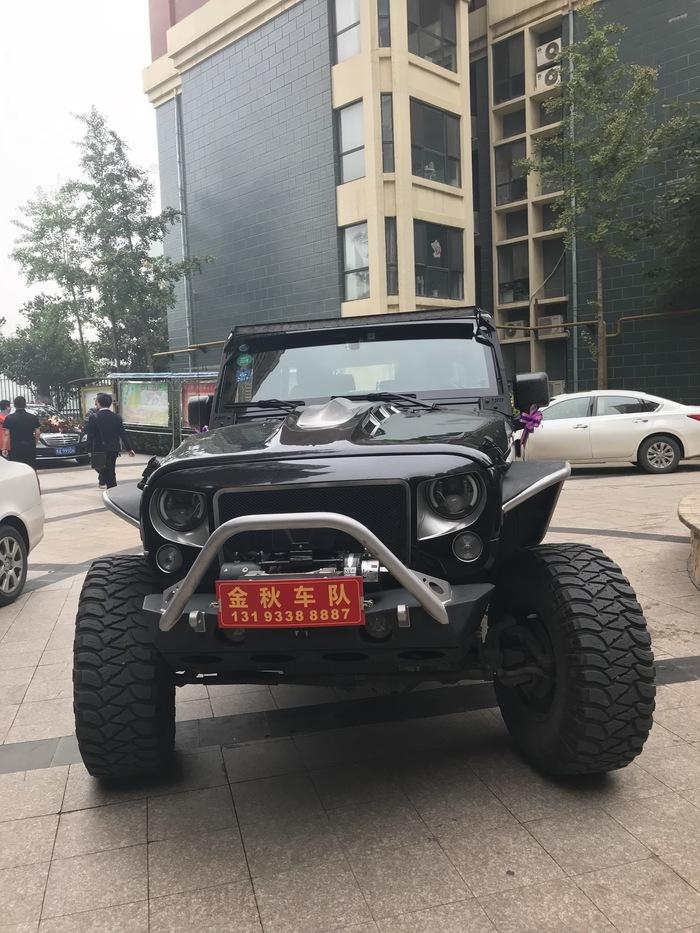 九峰鎮特斯拉婚禮車隊