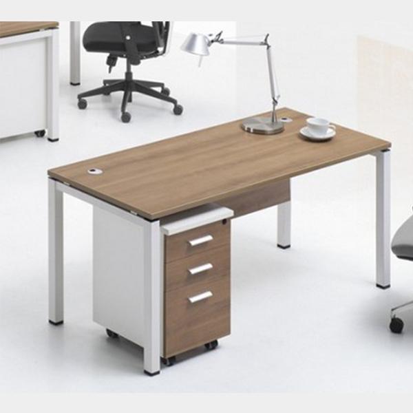 木质办公桌
