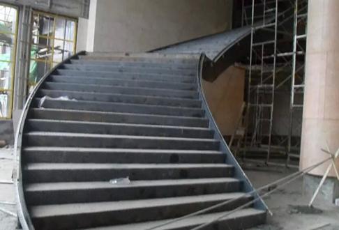 钢结构楼梯安装案例展示