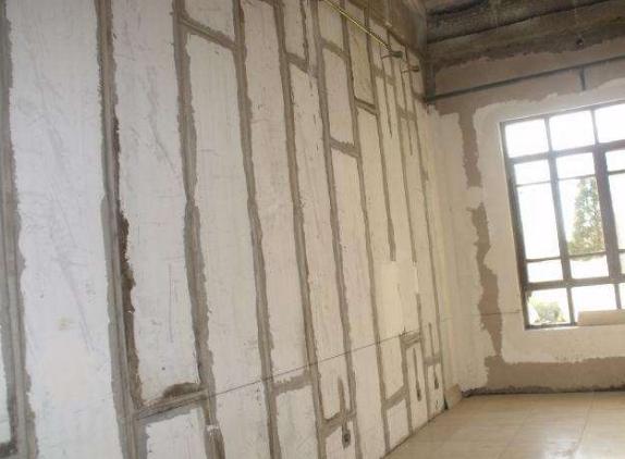 新型轻质隔墙板被称为低碳环保材料的原因