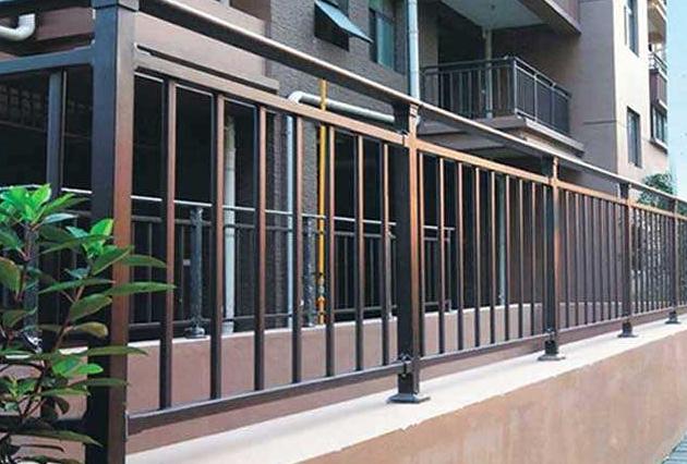 阳台钢护栏