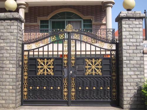 在日常中需求对庭院大门的保养