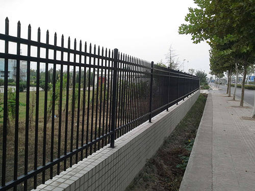 铁艺护栏的维护保养常识