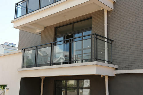 阳台护栏的安装注意事项