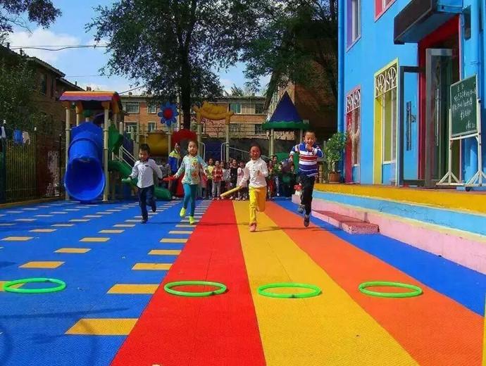 幼儿园卫生间大门手工布置图片