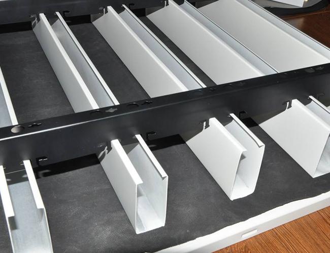 商場木紋鋁方通