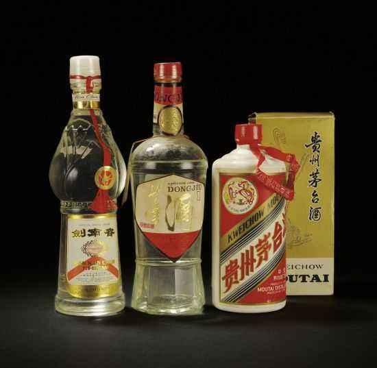 济宁市回收茅台酒五粮液保密回收高价回收80年茅台酒