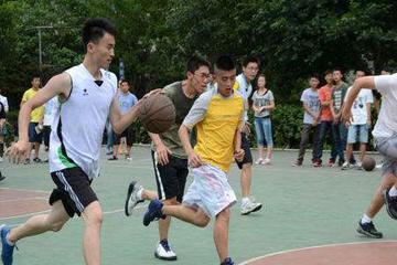 西安青少年篮球培训,篮球让我们明白了坚持就是胜利