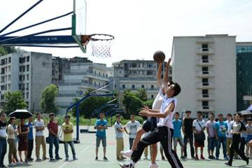 西安高新区篮球训练营解析球技是从苦?#20998;?#33719;得的