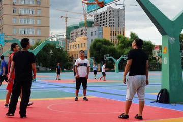 西安高新区篮球训练营解析篮球应该是巨人的运动吗