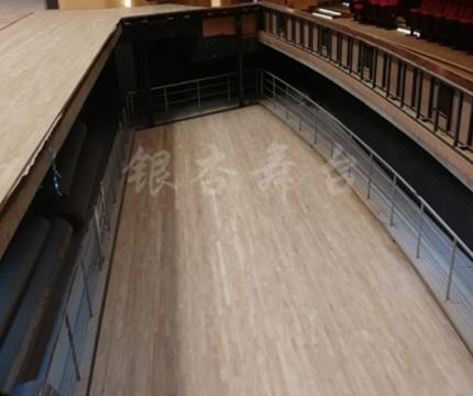 起落樂池——舞台台下機械