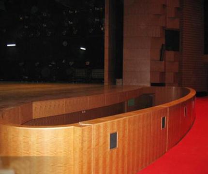 起落雕欄——舞台台下機械
