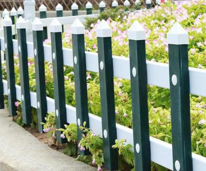pvc交叉绿化护栏