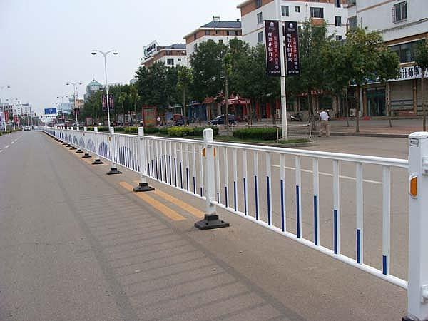 道路护栏的安装注意事项
