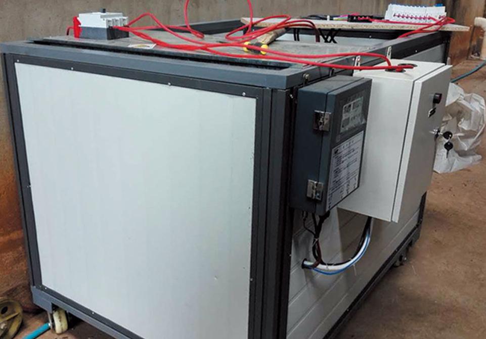 0.2吨电加热烘干设备