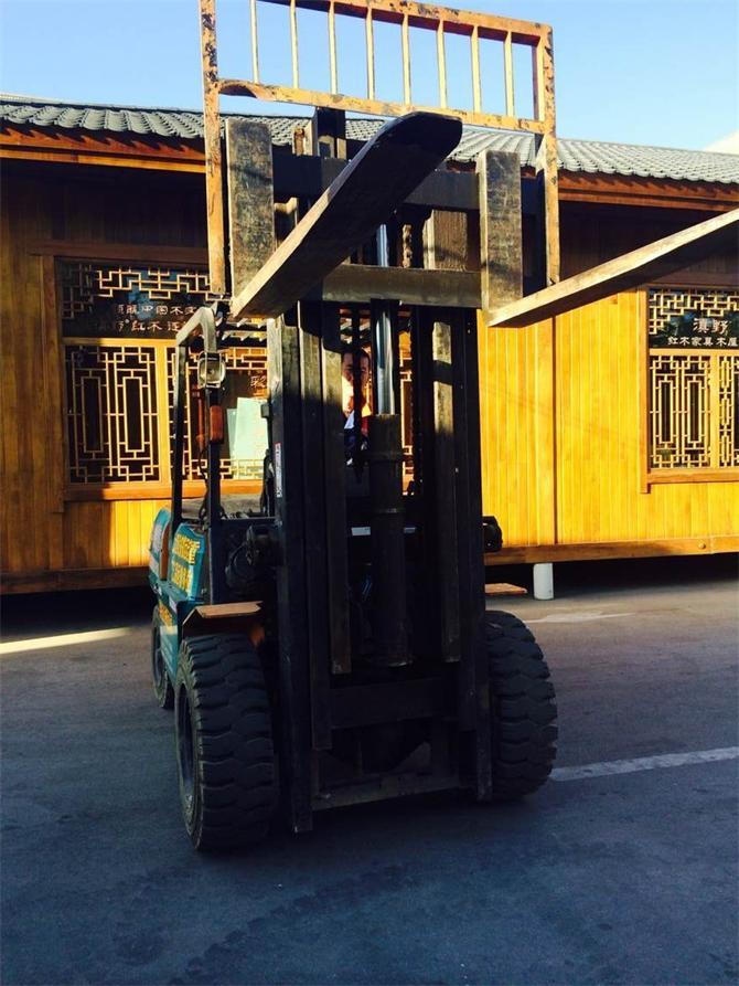 云南设备搬运-可起升4米3高叉车