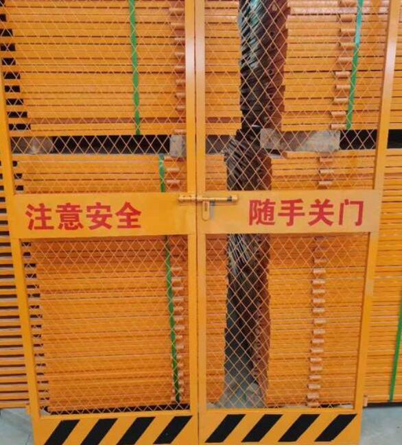 云南電梯防護門,電梯防護門的五種分類