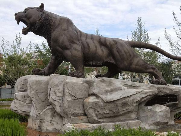 大型老虎铜像万博注册页面