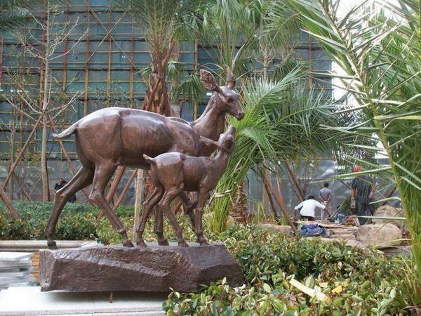 铜雕塑保养方法