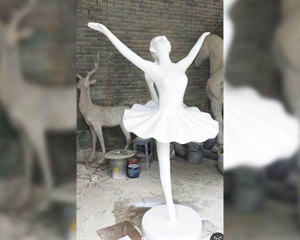 昆明玻璃钢雕塑