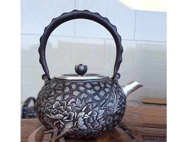 云南銀壺-純手工一體銀燒水壺產品