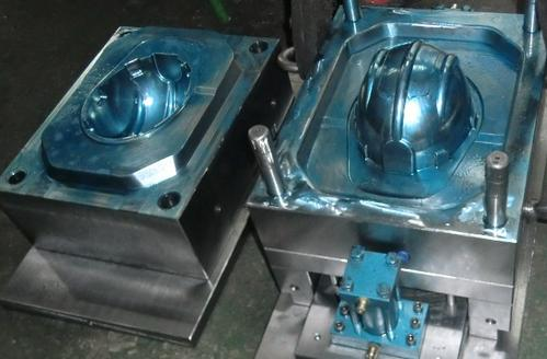 云南电瓶车头盔模具生产