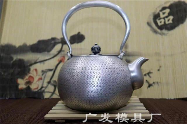 云南银壶-纯手工一体银烧水壶产品展示
