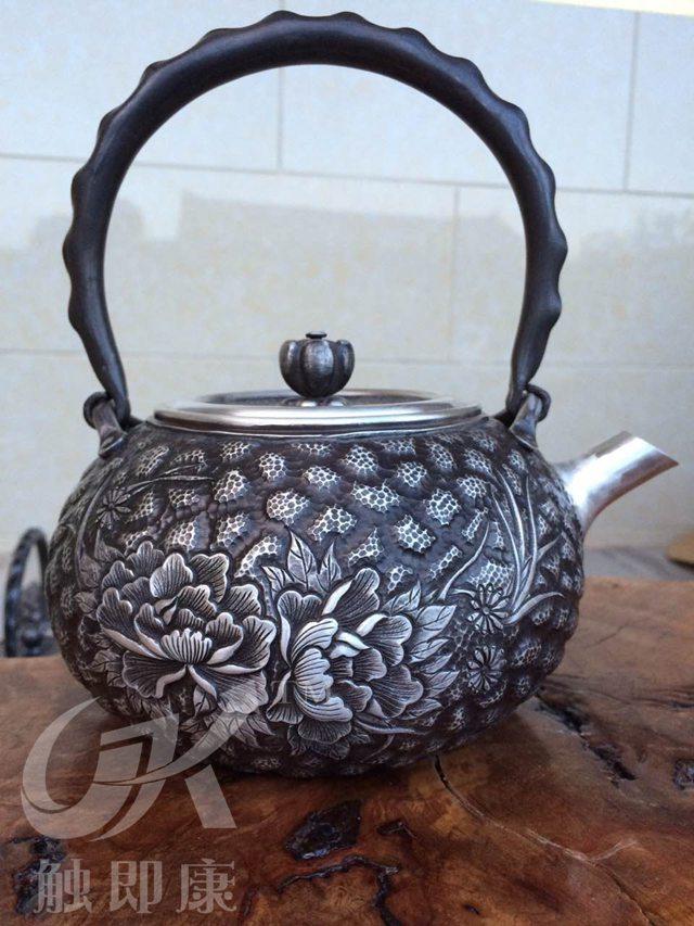 云南银壶-纯手工一体银烧水壶产品