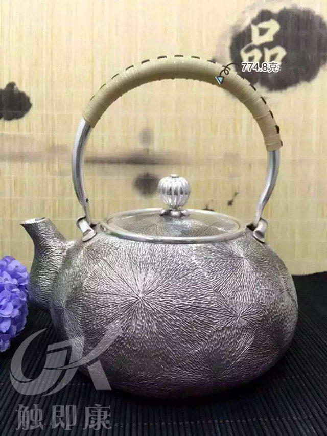 云南銀壺模具加工-純手工一體銀燒水壺