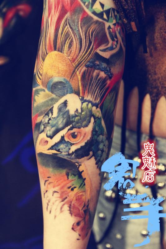 必有大福;背有雄狮,王者雄姿; 青龙盘腿,财如洪水;云南传统纹身图案身