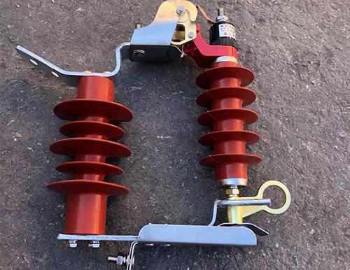 閥型避雷器