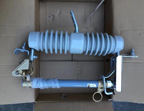 封閉式熔斷器