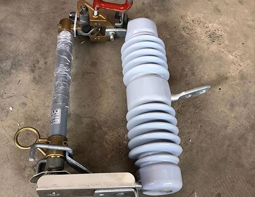 云南熔断器厂家建议引起重视:雷雨天气熔断器更易烧断