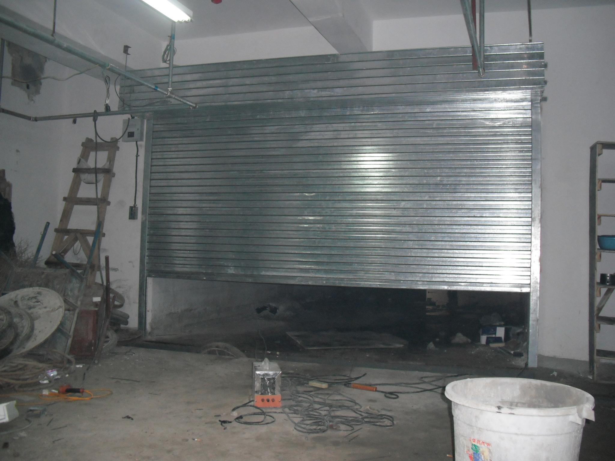 昆明卷帘门厂:介绍防止卷帘门生锈或腐蚀的方法
