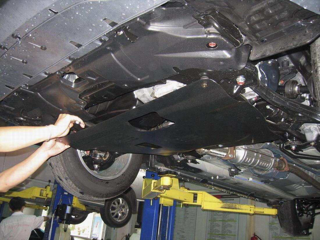 昆明汽车发动机的下护板有没有装的必要