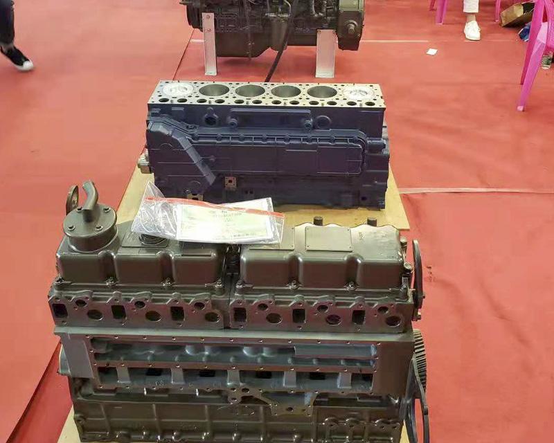 玉柴6105ZLQ210马力中冷增压发动机总成