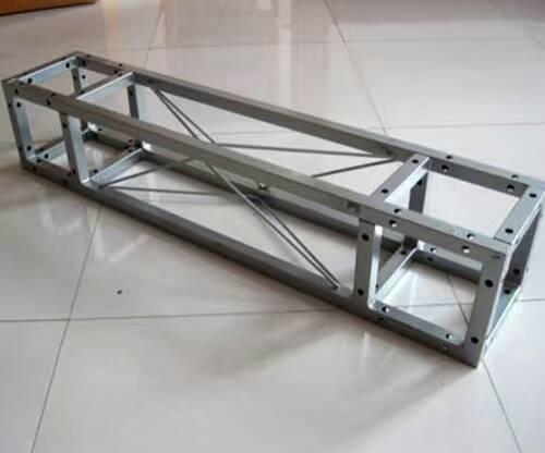 利用三维角度进行桁架搭建大大提高其稳定性
