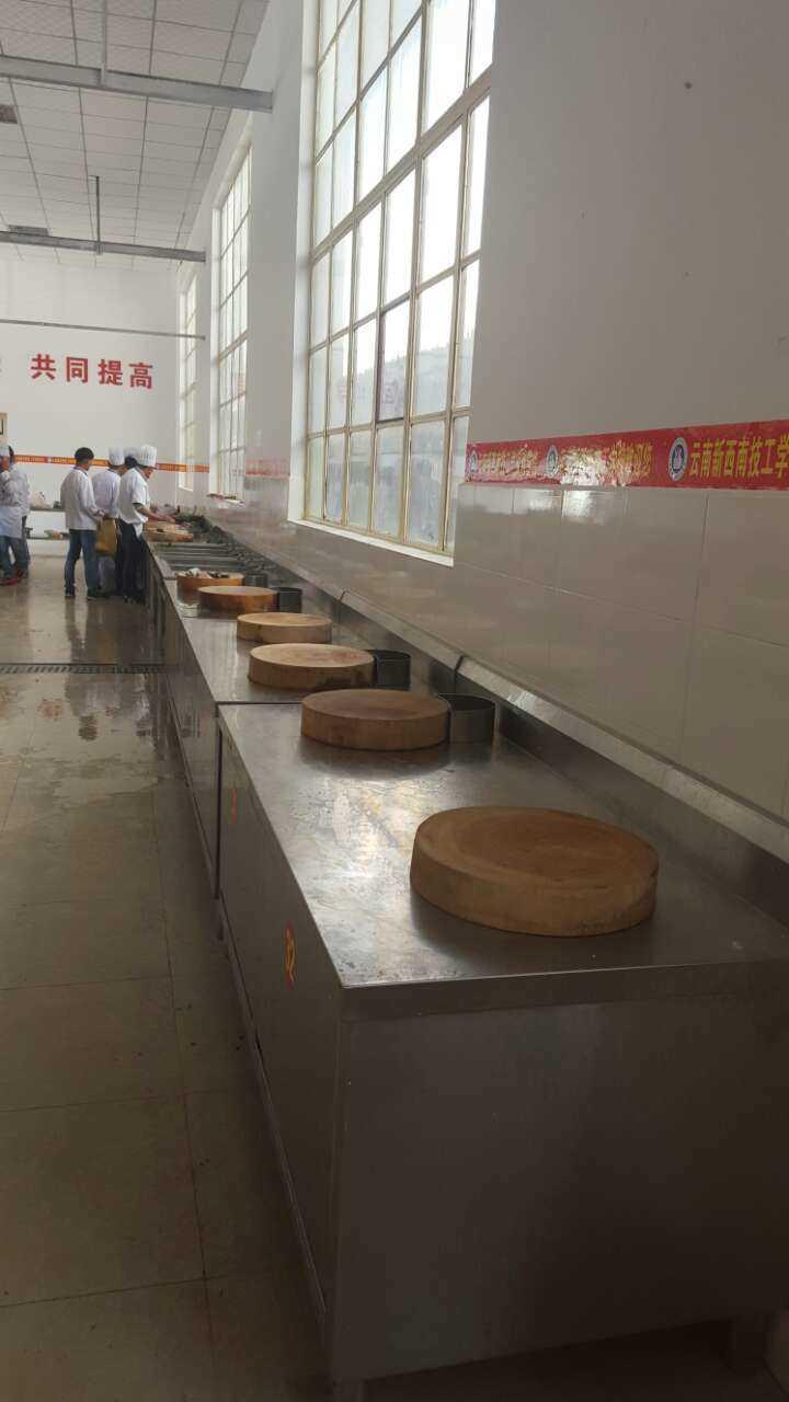 工程案例——大型厨房设备