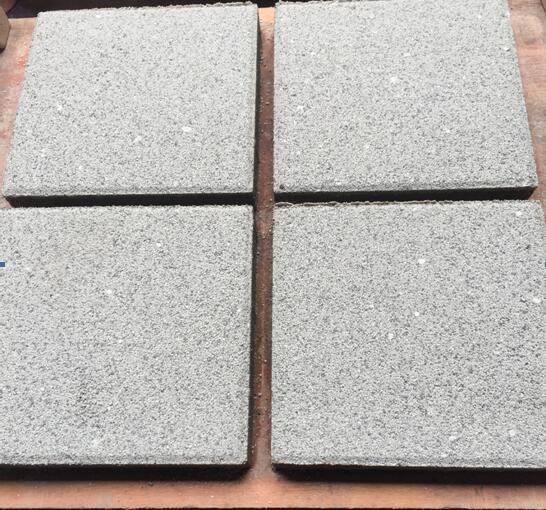 芝麻面层透水砖