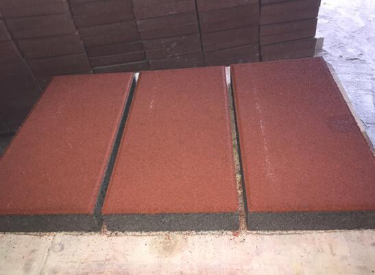 红色/深灰色麻面透水砖