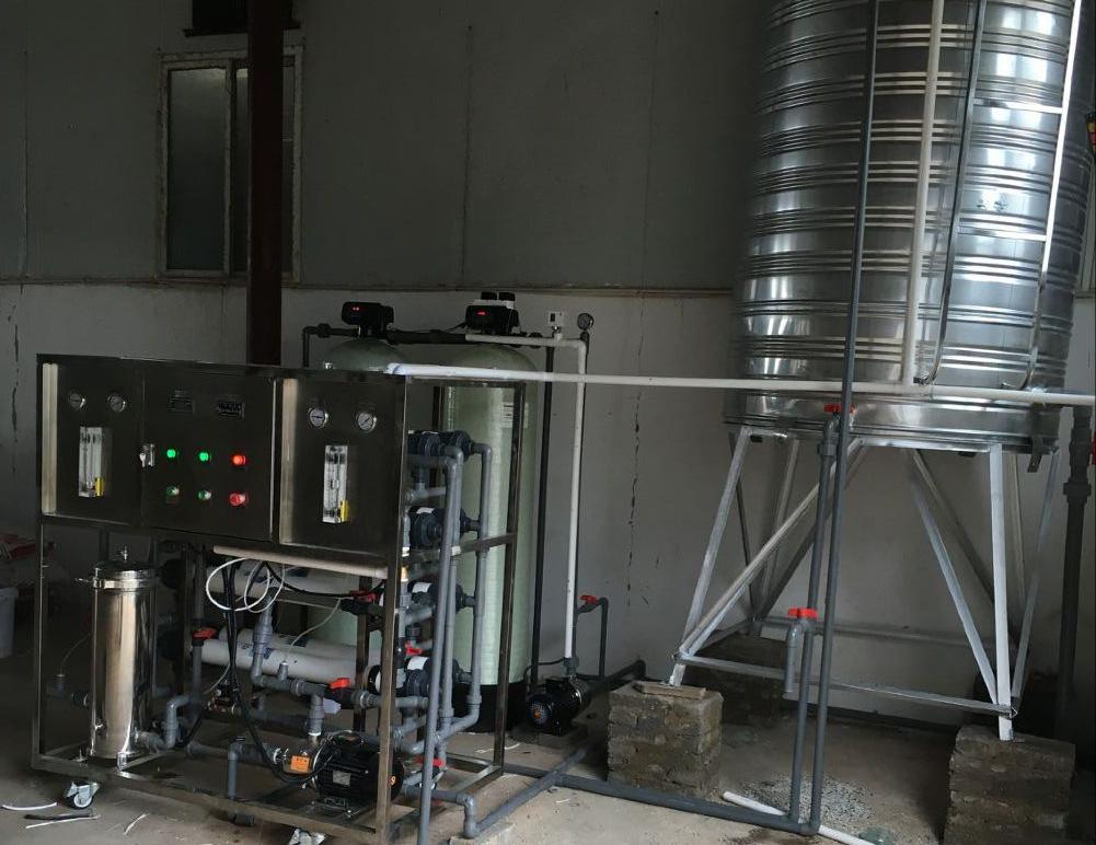 8万蛋鸡养殖饮水设备
