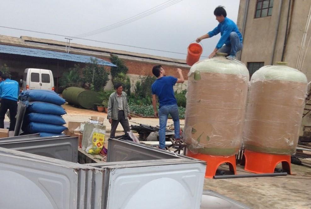 杨林16万只蛋鸡的用水设备